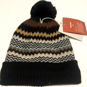 🔸NWT.  Zig Zag Winter Beanie HAT Missoni.